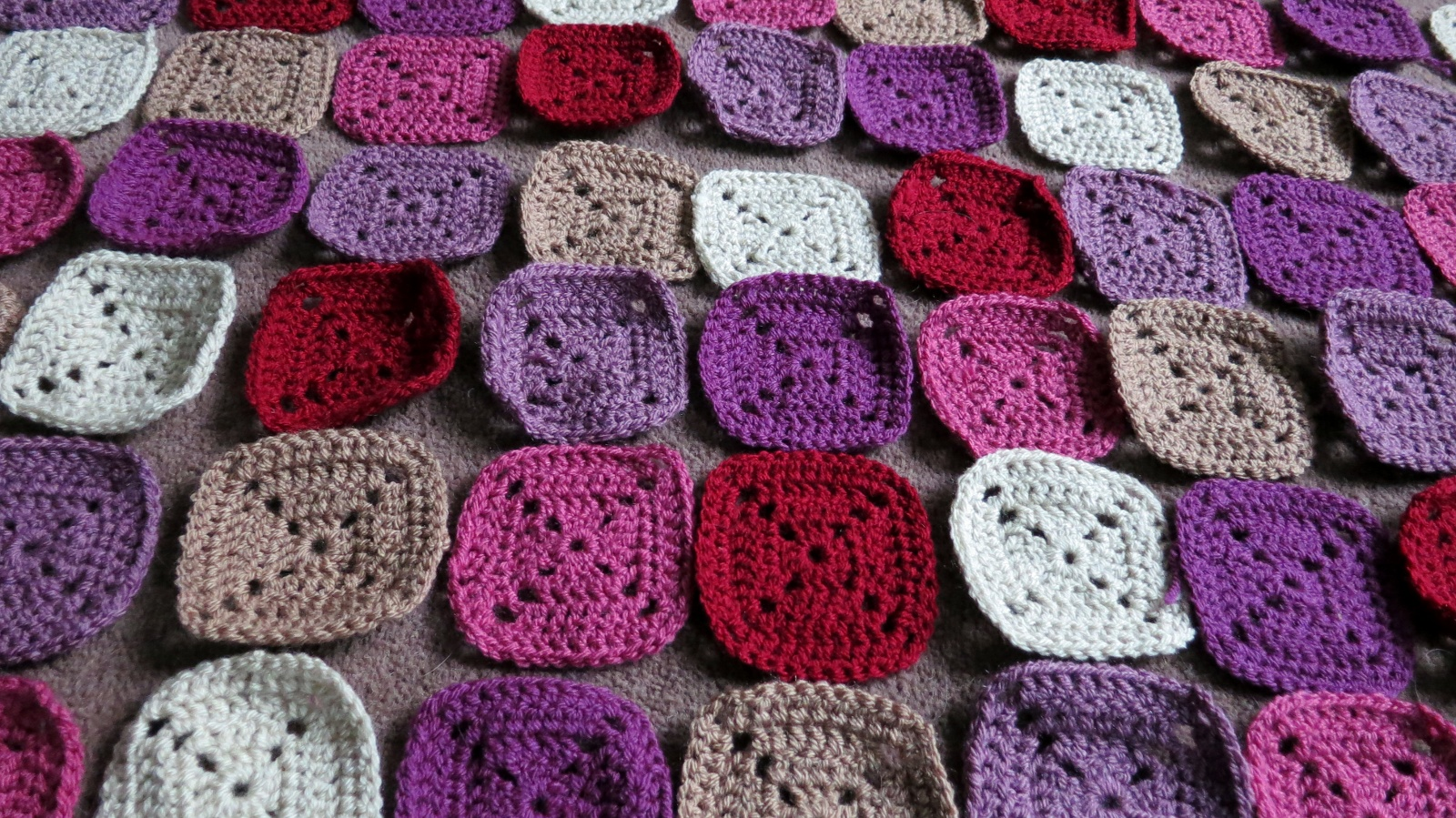 Crochet Patterns Joining Squares : ... square blanket: one colour per square like Heather?s Elmer blanket